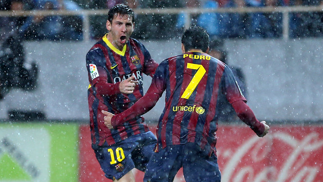 Messi and Pedro in the game against Seville. PHOTO: MIGUEL RUIZ-FCB.