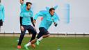 Neymar dan Cesc sedang berlatih bersama