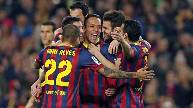 The players celebrating one of tonight's six goals. PHOTO: MIGUEL RUIZ-FCB.