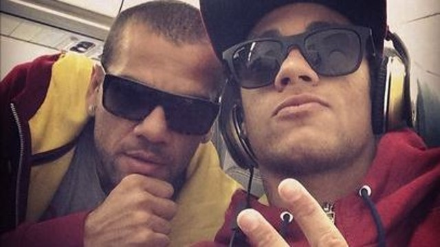 Neymar and Alves / PHOTO: Instagram neymarjr