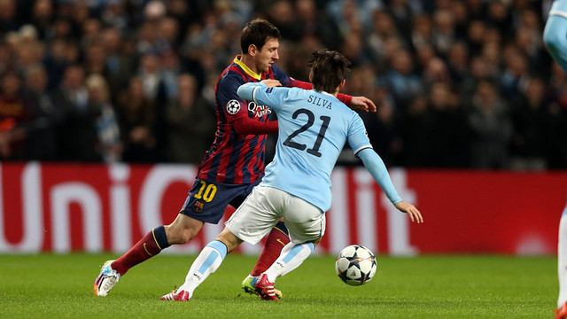 Messi v Silva at the Etihad / PHOTO: MIGUEL RUIZ