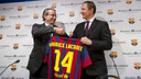 Club Vice-President Javier Faus and the Managing Director of  Maurice Lacroix, Marc Gläser / PHOTO: VÍCTOR SALGADO - FCB