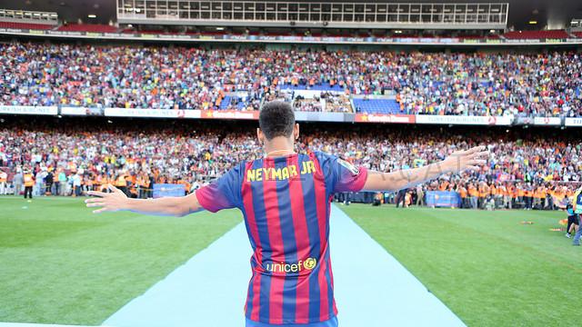 Neymar, al Camp Nou, el dia de la seva presentació