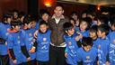 Messi, amb nens japonesos. FOTO: MIGUEL RUIZ-FCB.