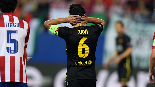 Xavi shows his dissapointment at the defeat to Atletico: PHOTO: MIGUEL RUIZ-FCB.
