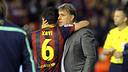 Xavi Hernández y el técnico Tata Martino se abrazan tras la final / FOTO: MIGUEL RUIZ - FCB