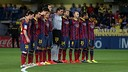 Emotional minute's silence in El Madrigal for Tito Vilanova