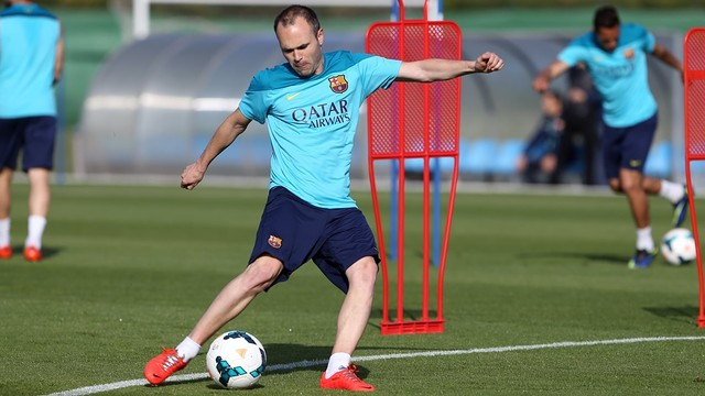 Iniesta in training / PHOTO: Miguel Ruiz - FCB