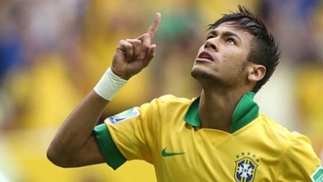 Neymar merayakan golnya