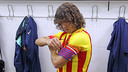 Puyol es posa el braçalet de capità
