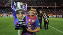 Alexis Sánchez with the Spanish Cup in 2012 / PHOTO: MIGUEL RUIZ-FCB