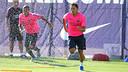 Adriano i Rafinha, fent treball específic. FOTO: MIGUEL RUIZ-FCB.