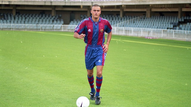 Luis Enrique, with his first touches of a ball as a Barça player/ PHOTO: ARXIU FCB