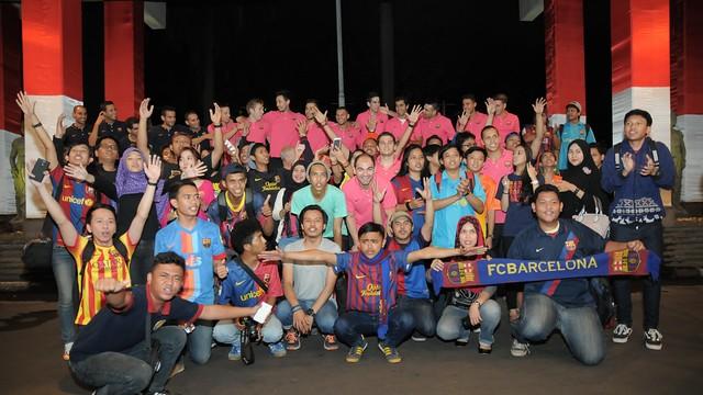 Foto de grup amb la Penya IndoBarça
