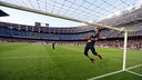 Bravo's warm-up before the Elche match. PHOTO: MIGUEL RUIZ-FCB.