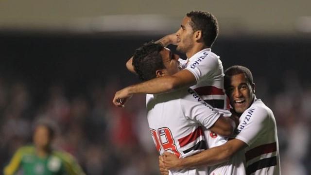 Douglas, celebrando un gol con el Sao Paulo. FOTO: RUBENS CHIRI (SAOPAULOFC.NET)
