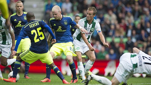 Els jugadors de l'Ajax davant el Groningen