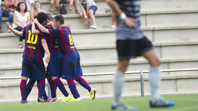 El Juvenil B celebrant un gol contra el Gavà / VICTOR SALGADO