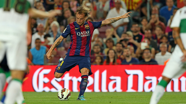 Rakitic during the first match of the League at Camp Nou / FOTO: MIGUEL RUIZ - FCB