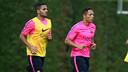 Douglas y Adriano, durante un entrenamiento de esta temporada / FOTO: MIGUEL RUIZ - FCB