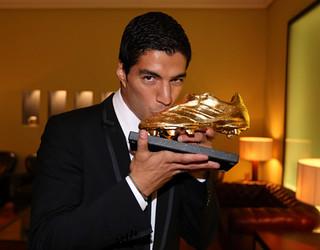 Luis Suárez, com a Chuteira de Ouro. FOTO: Miguel Ruiz-FCB