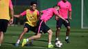 Andrés Iniesta et Marc Bartra pendant l'entrainement / PHOTO: MIGUEL RUIZ - FCB