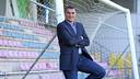 Faryd Mondragón resting against a post at the Ciudad Deportiva / FOTO: MIGUEL RUIZ-FCB