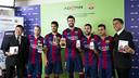 Iniesta, Suárez, Piqué, Alba i Pedro with Advan / PHOTO: Dani Aznar