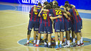 FC Barcelona focused in the middle of the court at the Palau / PHOTO: V. SALGADO-FCB