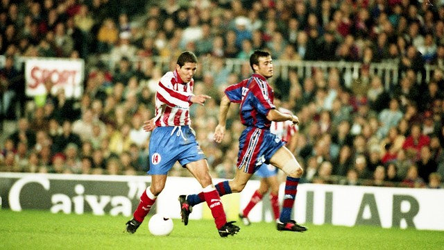 Luis Enrique and Simeone during  Barça and Atlético Madrid at Camp Nou in 1996 / PHOTO: FCB ARCHIVE