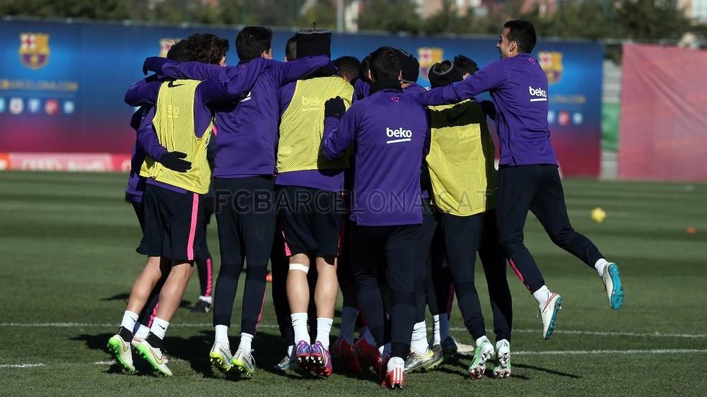 الدورة التدريبية الأخيرة لبرشلونة قبل مواجهة إلتشي Pic_2015-01-23_ENTRENO_27-Optimized.v1422013501