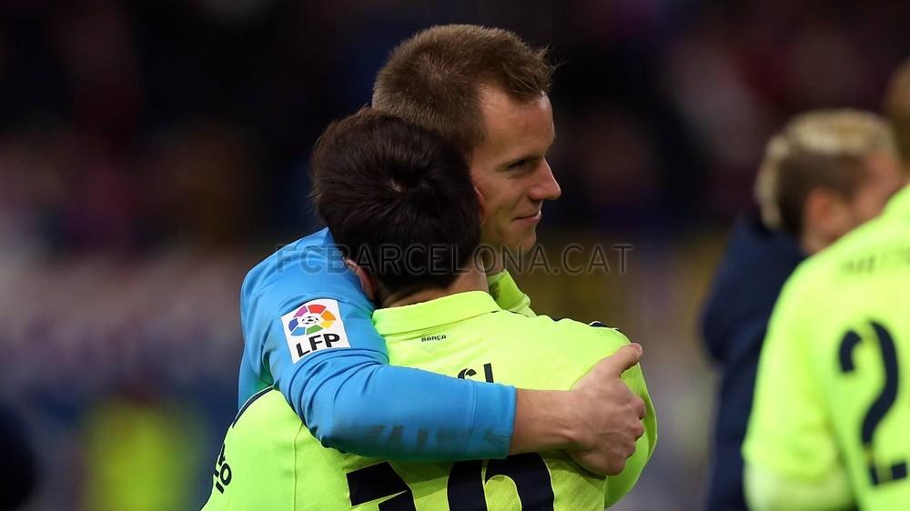 صور : مباراة أتليتيكو مدريد - برشلونة 2-3 ( 28-01-2015 )  Pic_2015-01-28_OTRO_ATLETICO-BARCELONA_28-Optimized.v1422550614