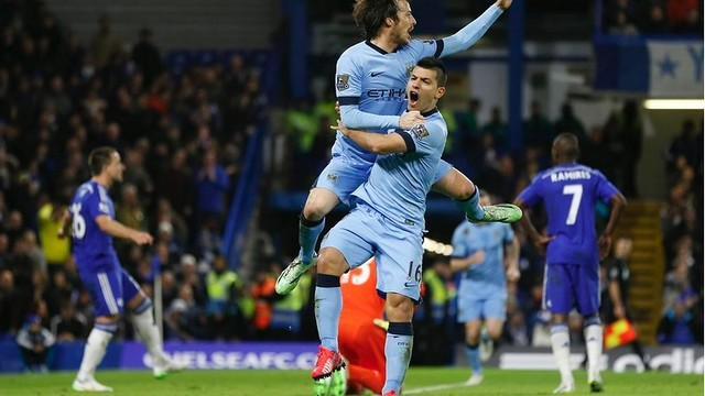 David Silva scores the tying goal against Chelsea at Stamford Bridge on Saturday.