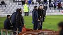 Eusebio, a la derecha, dando instrucciones a sus jugadores. / FOTO: GERMÁN PARGA - FCB