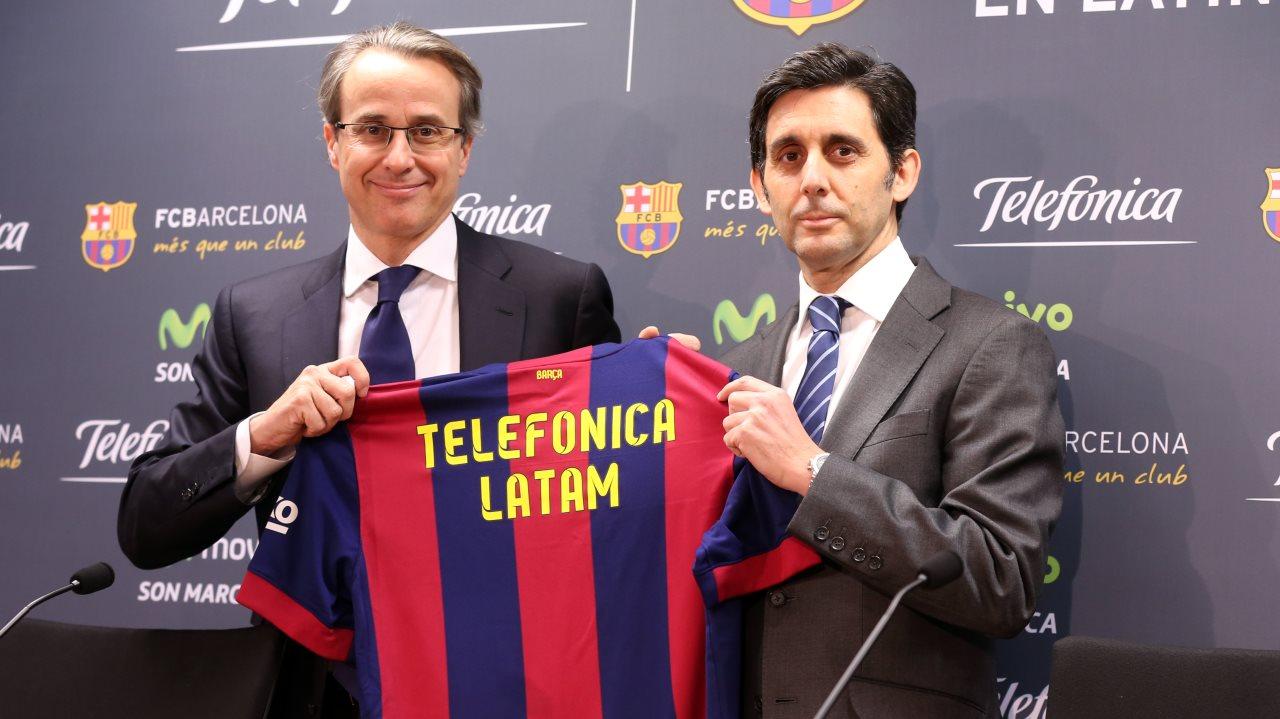 بالصور والفيديو  : لاعبو برشلونة يعلنون عن عقد بث مباريات الفريق للموسم المقبل Pic_2015-02-18_ACUERDO_TELEFONICA_15-Optimized.v1424267443
