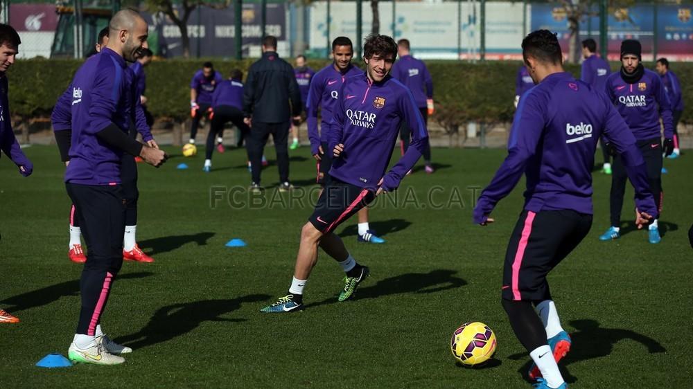 صور : تحضيرات برشلونة لمواجهة مالقا  Pic_2015-02-19_ENTRENO_17-Optimized.v1424348958