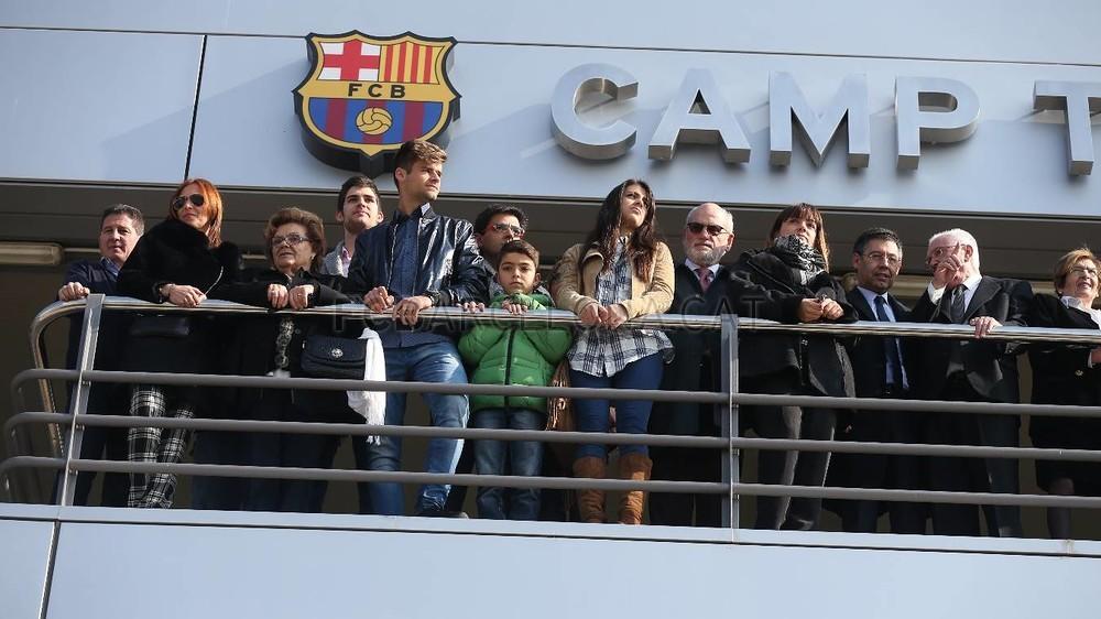 صور : نجوم برشلونة يستقبلون أسرة فيلانوفا في تدريبات اليوم MRG10127-Optimized.v1424430402