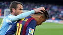 Duda consoles Neymar after the final whistle at Camp Nou. / MIGUEL RUIZ-FCB