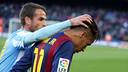 Duda consoles Neymar after the final whistle at Camp Nou. / MIGUEL RUIZ-FCB