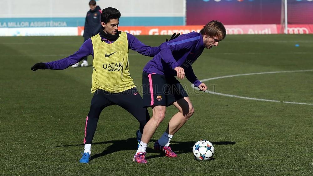 تدريبات برشلونة تشهد غياب ألبا 2015-02-22_ENTRENO_14-Optimized.v1424606303