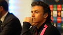 Luis Enrique before the press at the City of Manchester Stadium / MIGUEL RUIZ - FCB