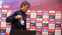 Luis Enrique discussed matters ahead of the trip to Granada / MIGUEL RUIZ - FCB