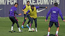 Neymar will be back for the Eibar match, while Alves will not. / MIGUEL RUIZ-FCB