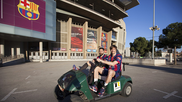 Nikola Karabatic and Viran Morros take part in the filming. / FCB