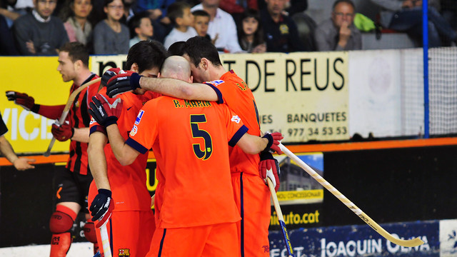 The team celebrate one of Gual's four goals / LAIA SOLANELLAS