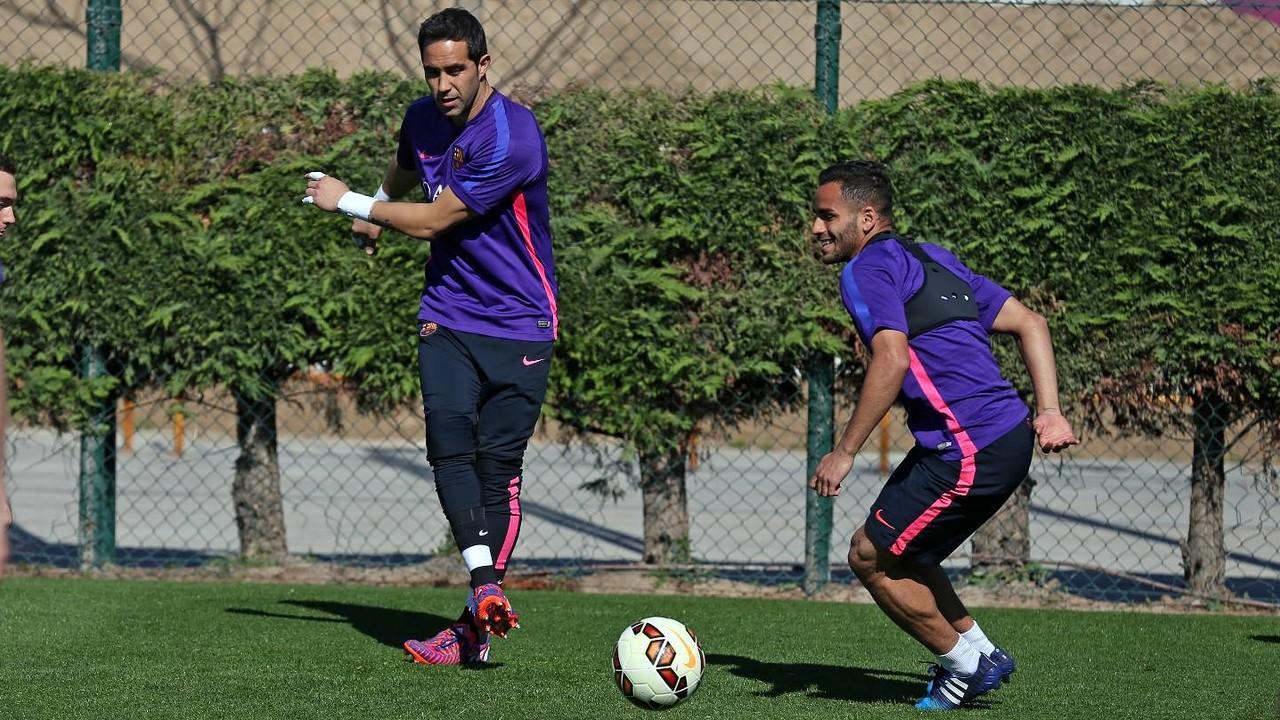 Bravo retorna a l'entrenament del Barça / MIGUEL RUIZ - FCB