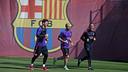 Messi and Mascherano jogging at the Ciutat Esportiva on Thursday morning. / MIGUEL RUIZ - FCB