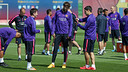 Bright sunshine greeted the players for their Tuesday workout / MIGUEL RUIZ-FCB