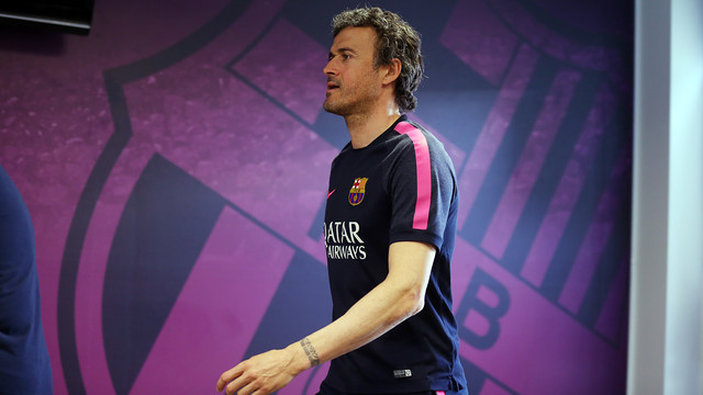 Luis Enrique heads to the press room at the Ciutat Esportiva Joan Gamper on Friday 17 April 2015. / MIGUEL RUIZ - FCB