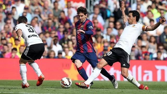 FC Barcelona y Valencia CF pugnarán por un gran central del fútbol francés